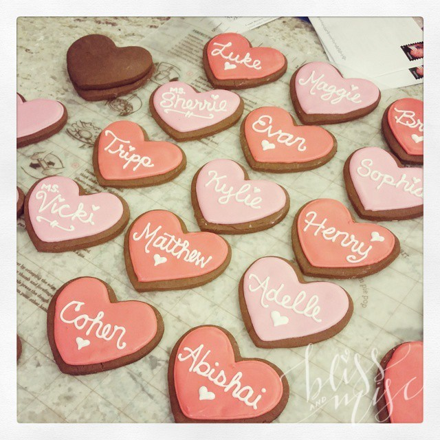 One class done #notyposplease #valentinesday #cookiedecorating