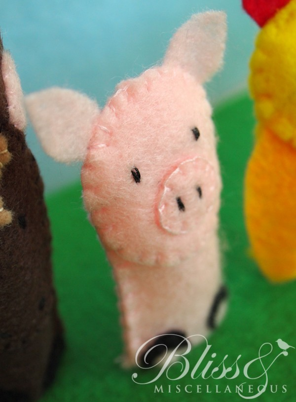 Busy Book - Pig Finger Puppet