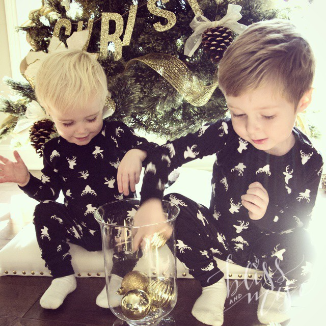Throwing ornaments...Christmas pics outtake #hobbsboys #merrychristmas #reindeergames